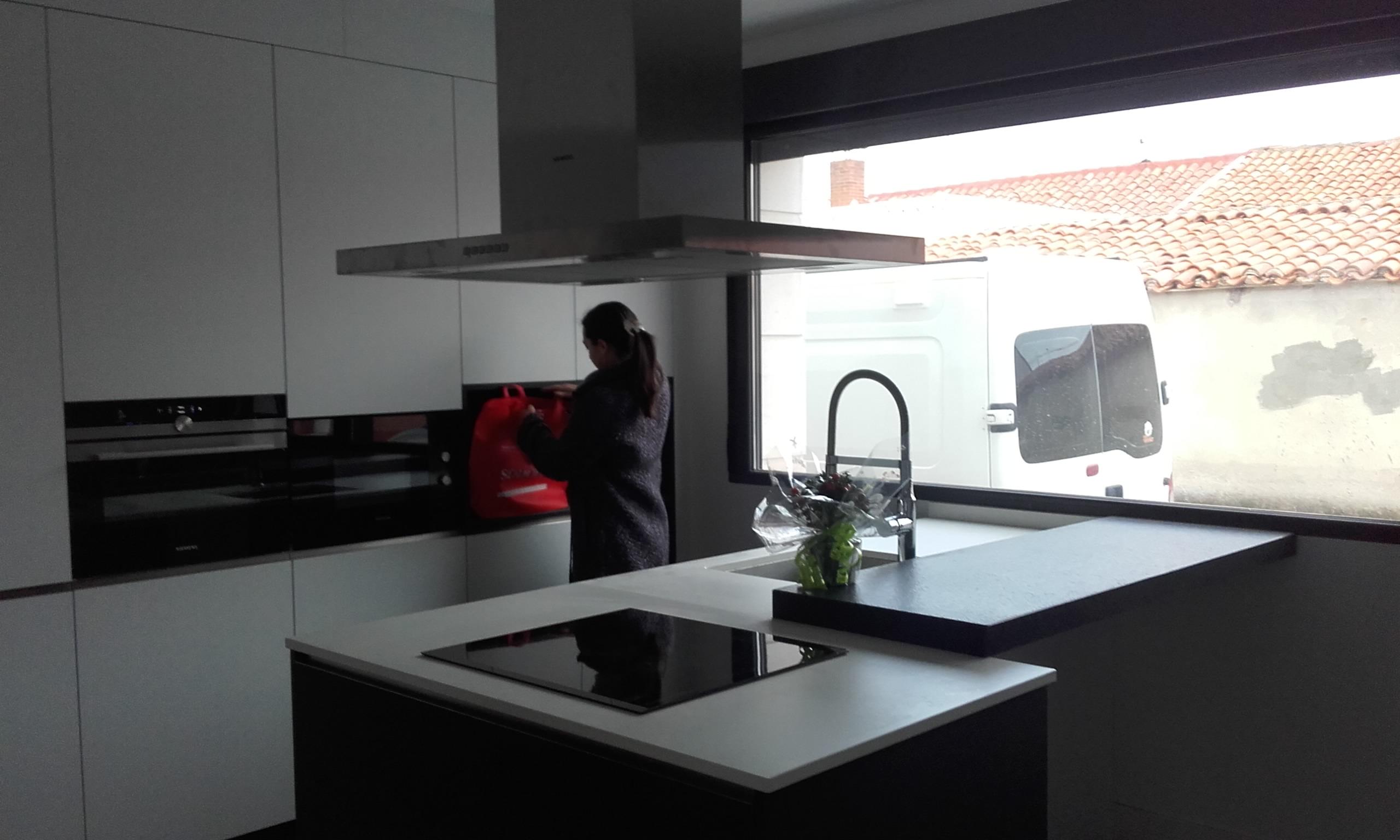Su tienda schmidt palencia cocinas muebles de hogar ba os for Muebles de cocina worten