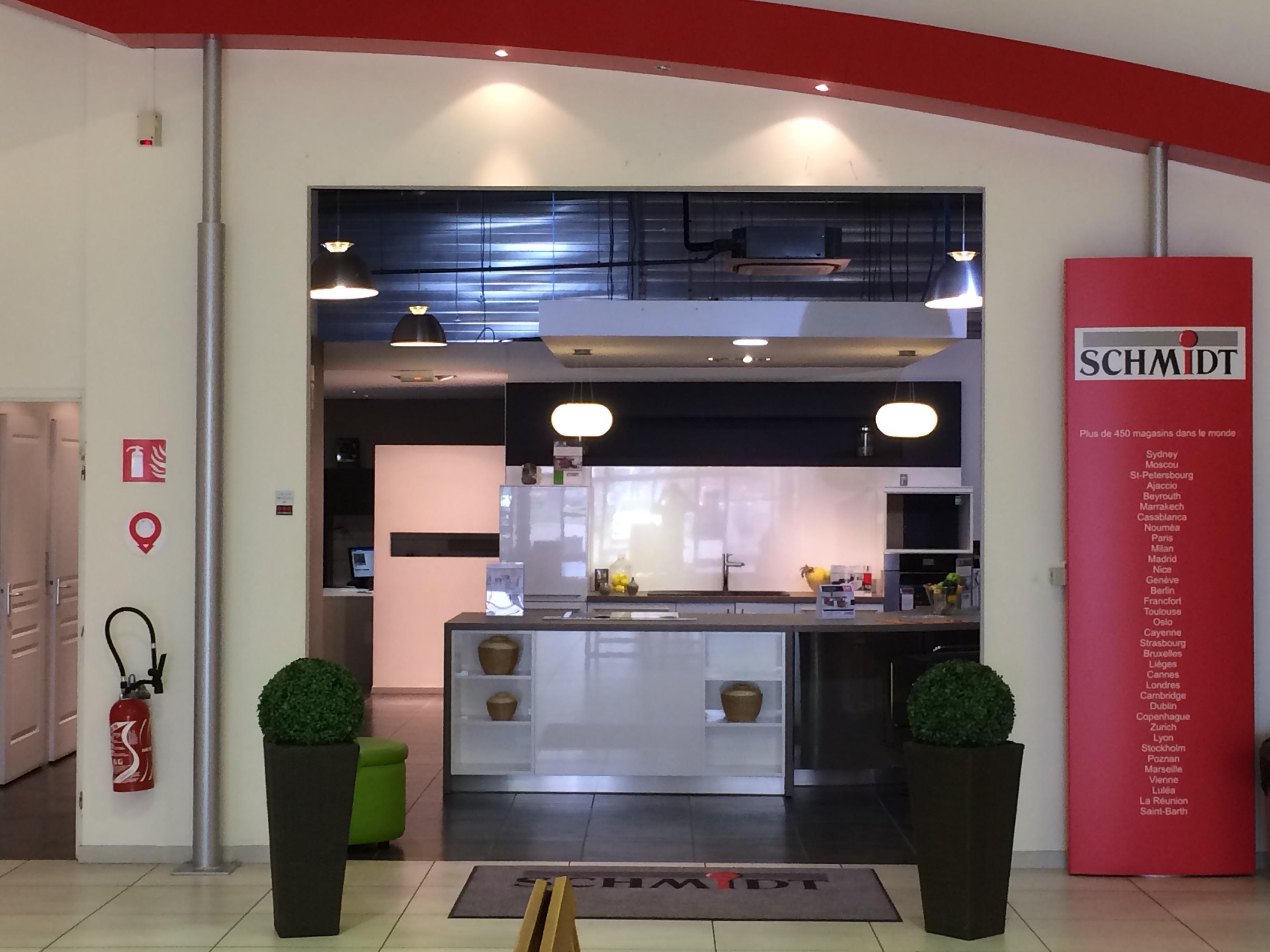 Magasin de cuisine rangement salle de bains moncel - Cuisines schmidt catalogue ...